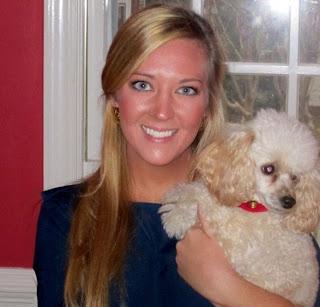 anna walters con un perro