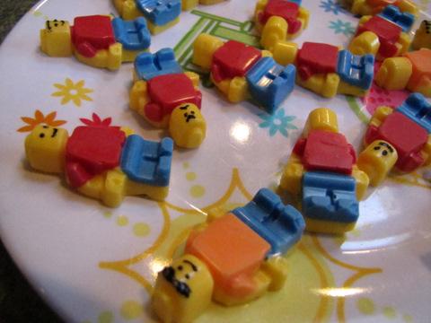 Moose Mouse Creations: Lego Birthday Cake