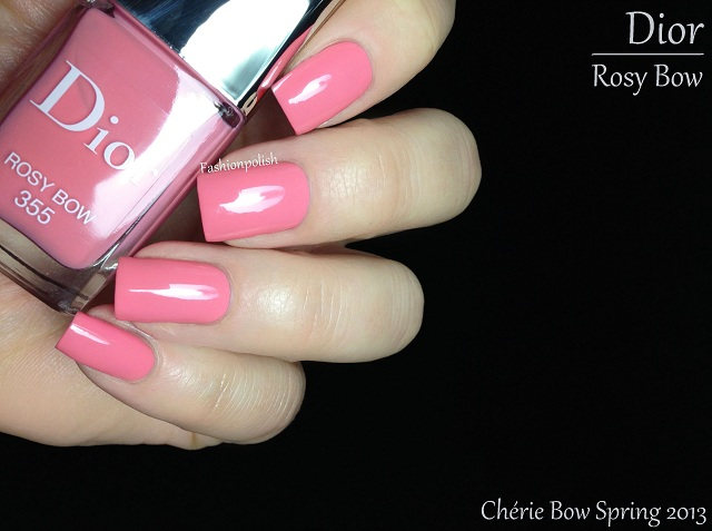 It was just as easy to apply as Tutu but offered higher pigmentation with a  true 2 coats coverage. Gorgeous shade of pink, I love coral pinks!