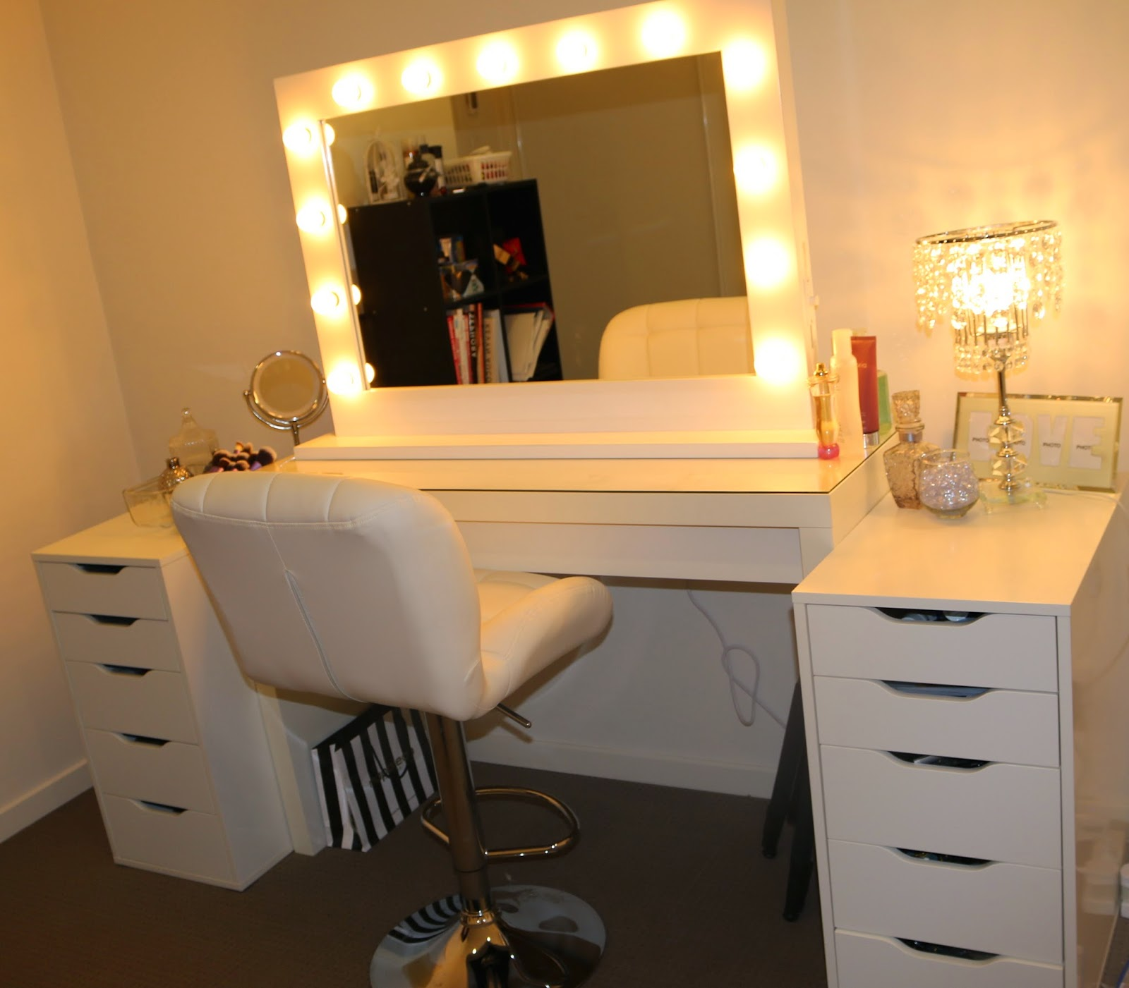Vanity Makeup Table Lights : ROGUE Hair Extensions: IKEA MAKEUP VANITY & HOLLYWOOD LIGHTS!