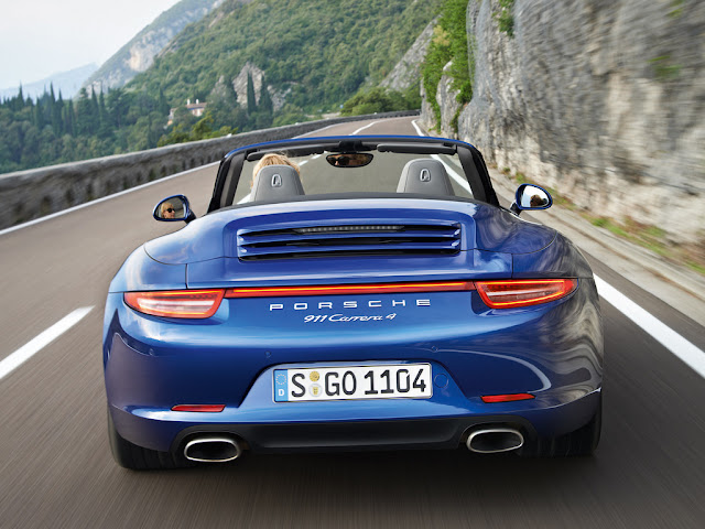 2013 Porsche 911 Carrera 4 and 4S Coupe and Convertibles | Official photos of the 2013 Porsche 911 Carrera 4 and 2013 Porsche 911 Carrera 4S