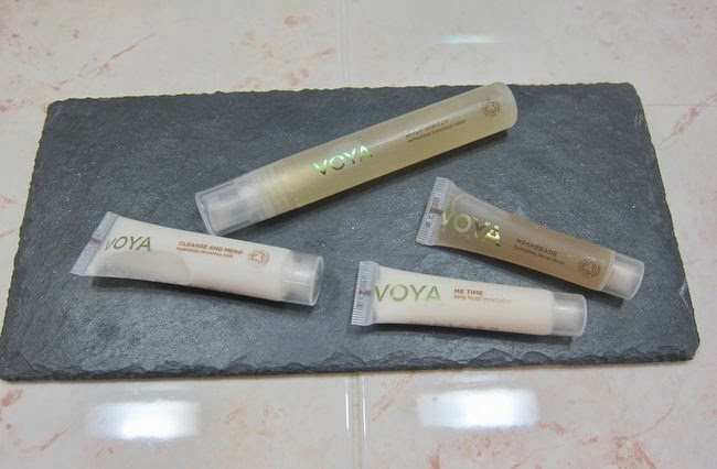 Contents Voya Travel Skincare set