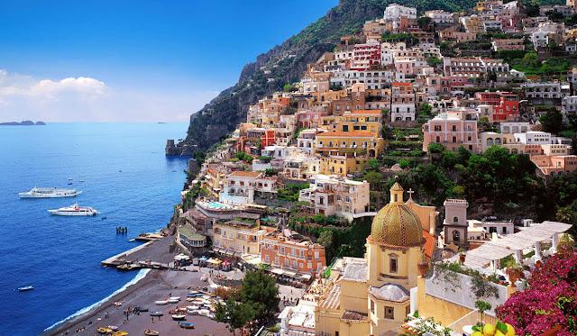 بوسيتانو المدينة الملونة في إيطاليا