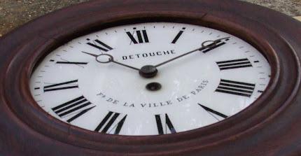PENDULE OEIL DE BOEUF LOUIS -CONSTANTIN DETOUCHE