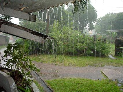 hujan dan manfaat bagi manusia