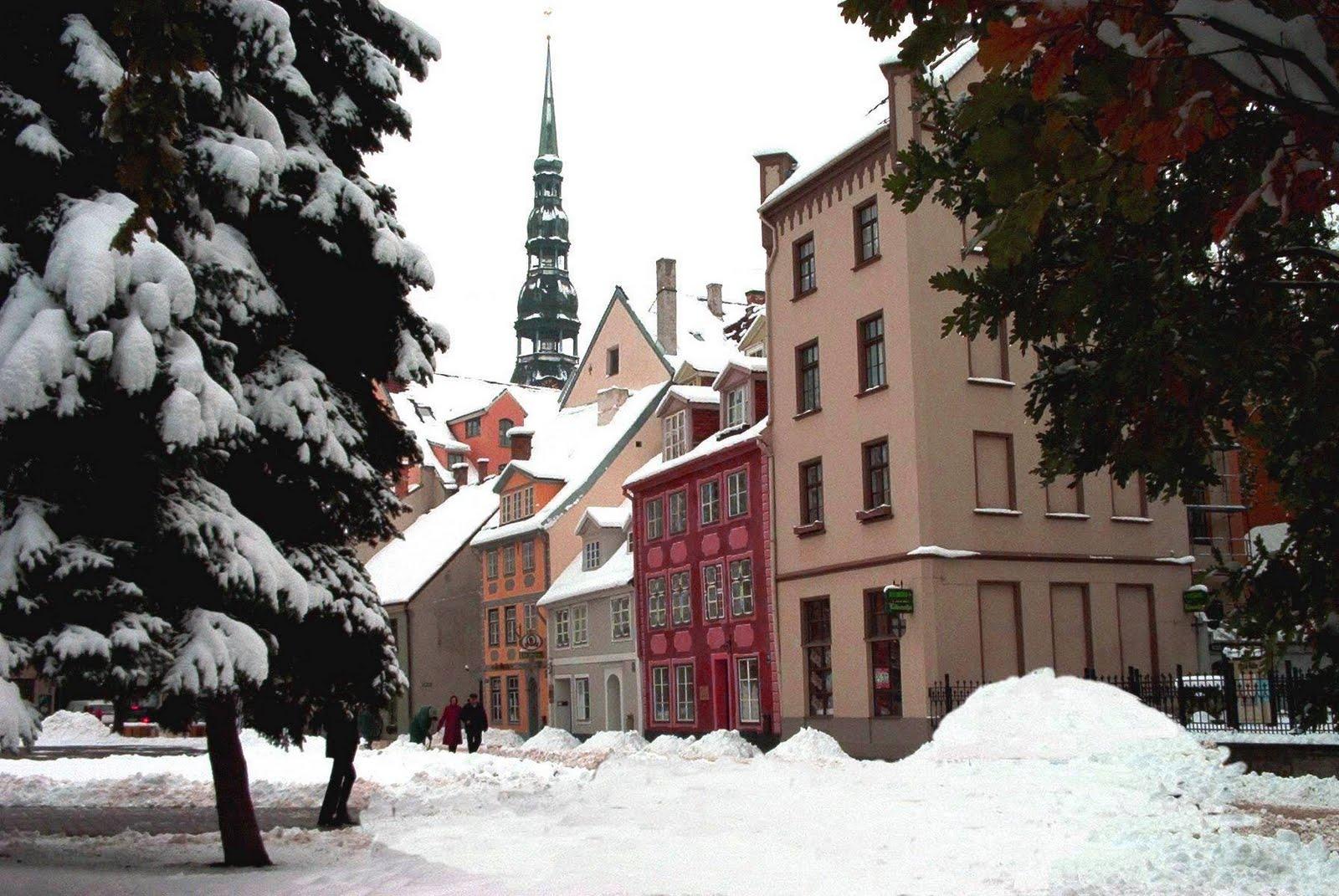 http://3.bp.blogspot.com/-BlmhdDCvVHQ/TvUF91IICsI/AAAAAAAAF18/W37h4YZ8ijI/s1600/riga_liv_snow.jpg