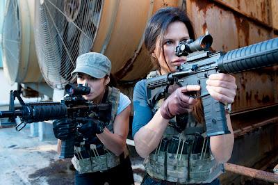 Escena de la tercera temporada de la serie Strike Back: Project Dawn