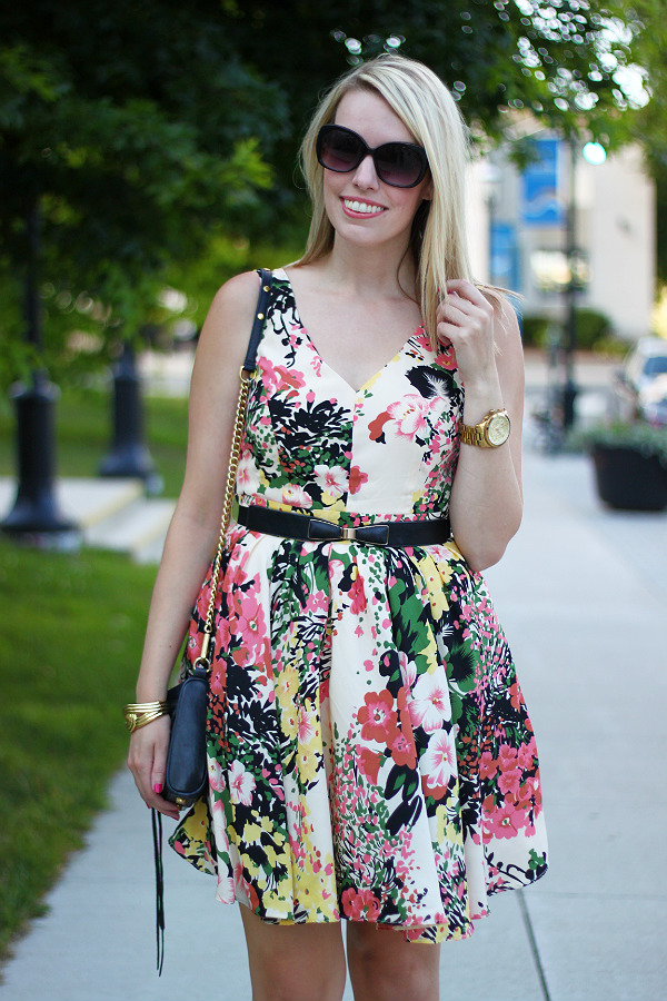 darling, darling uk, darling ashley dress, floral dress, what to wear to a summer wedding, canadian fashion blogger, bow belt