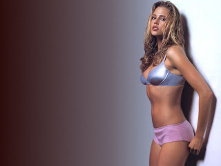 Estella Warren en ropa interior
