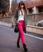 http://outfitdeldia.blogspot.com/2015/05/look-con-neon-en-otras-prendas.html