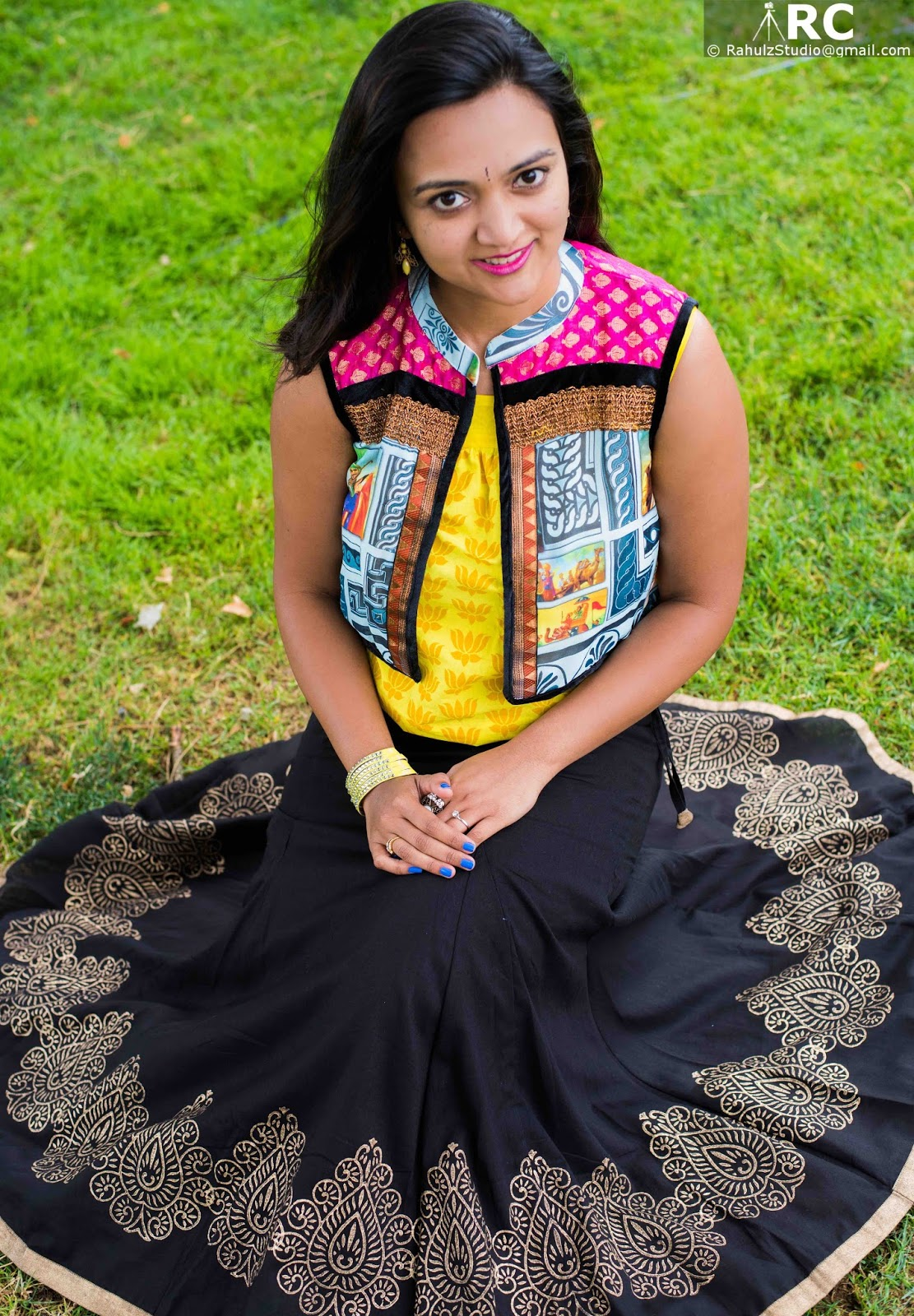 Long skirts for women, Kahini Kreative collection, Indo western looks, Seattle fashion blogger, Ananya in a skirt, printed ethnic vest with black skirt