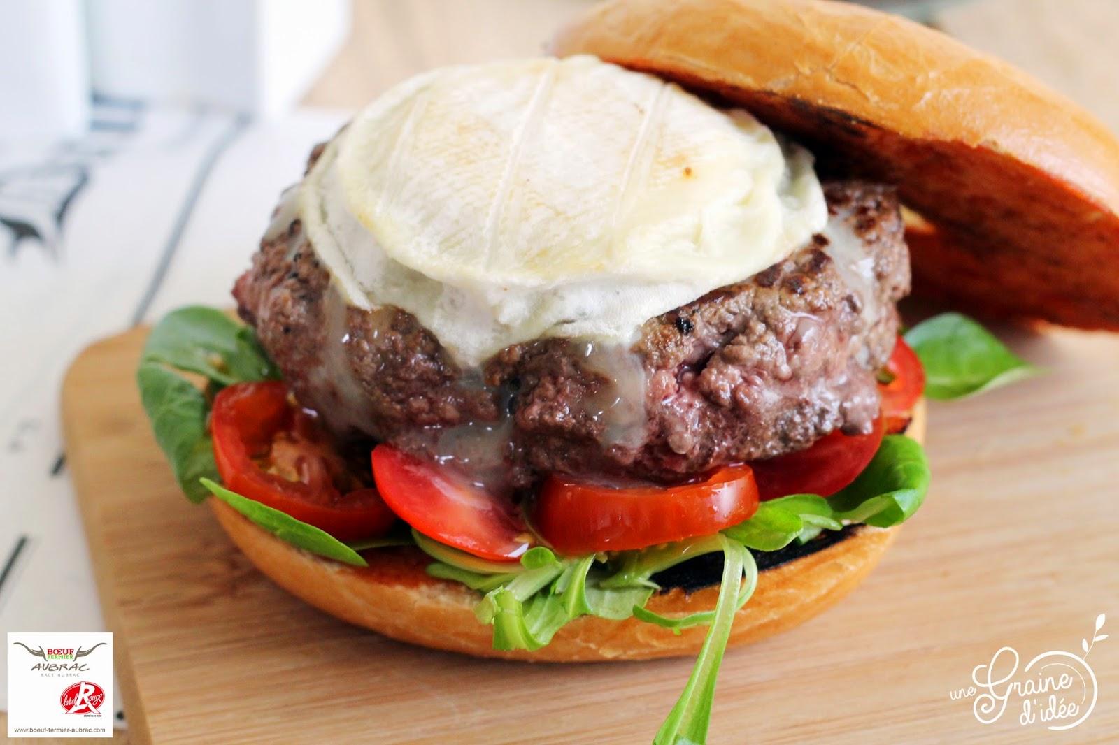 Bagel Burger au Steak Haché Maison de Boeuf Fermier Aubrac et Rocamadour - Une Graine d'Idée