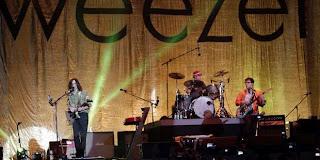 Konser Weezer di Senayan, Jakarta