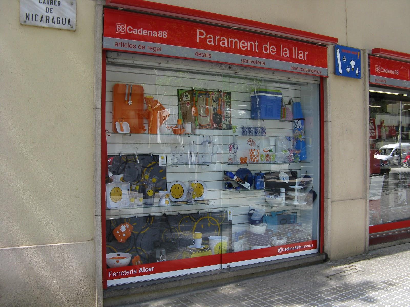 Escaparates pilar barrera menaje divertido for Menaje barcelona