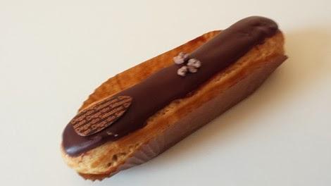 L'éclair au chocolat de la pâtisserie Sébastien Dégardin Paris 05 ème.