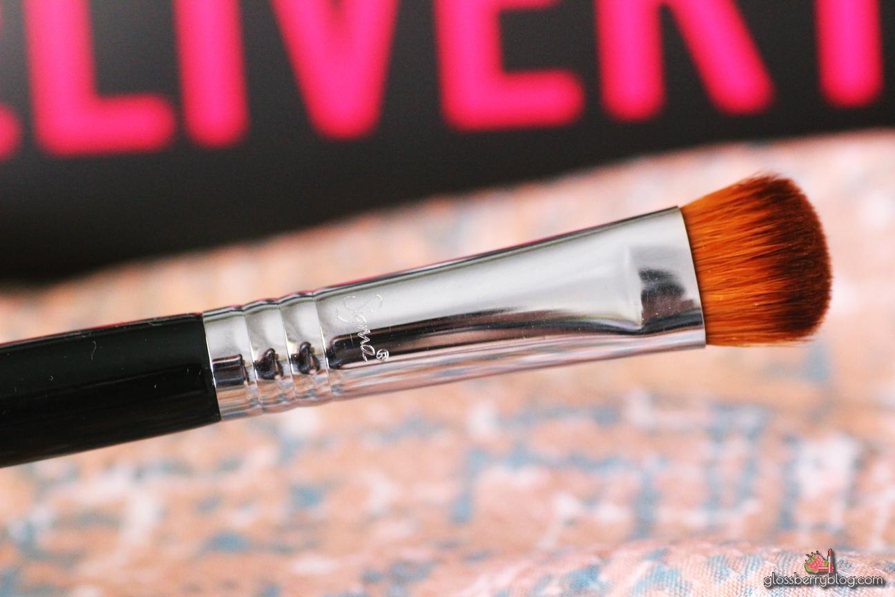 sigma e59 wide shader brush review סקירה המלצה מברשת עיניים מומלצת לסומק נוזלי שימר קרמי סיגמא סיגמה בלוג איפור וטיפוח לוסברי