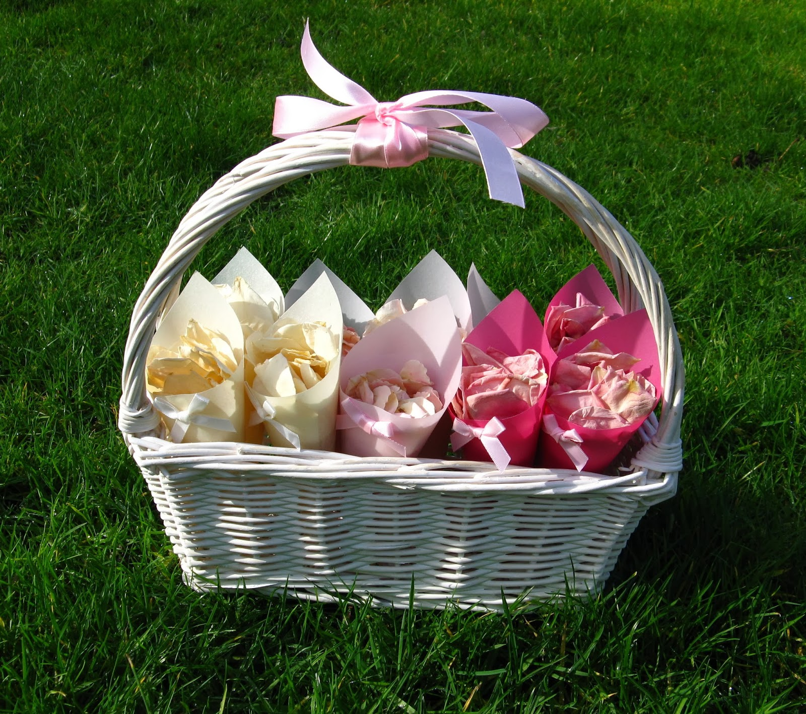 Wedding Baskets For Flower Petals : The confetti ombre inspiration wedding petals and
