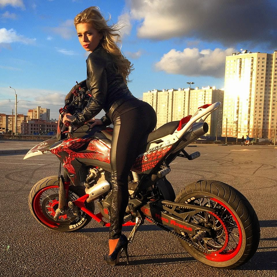 chicks nude with adventure bikes wallpapers