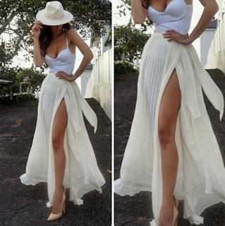 Falda larga de gasa, con abertura lateral y lazo largo