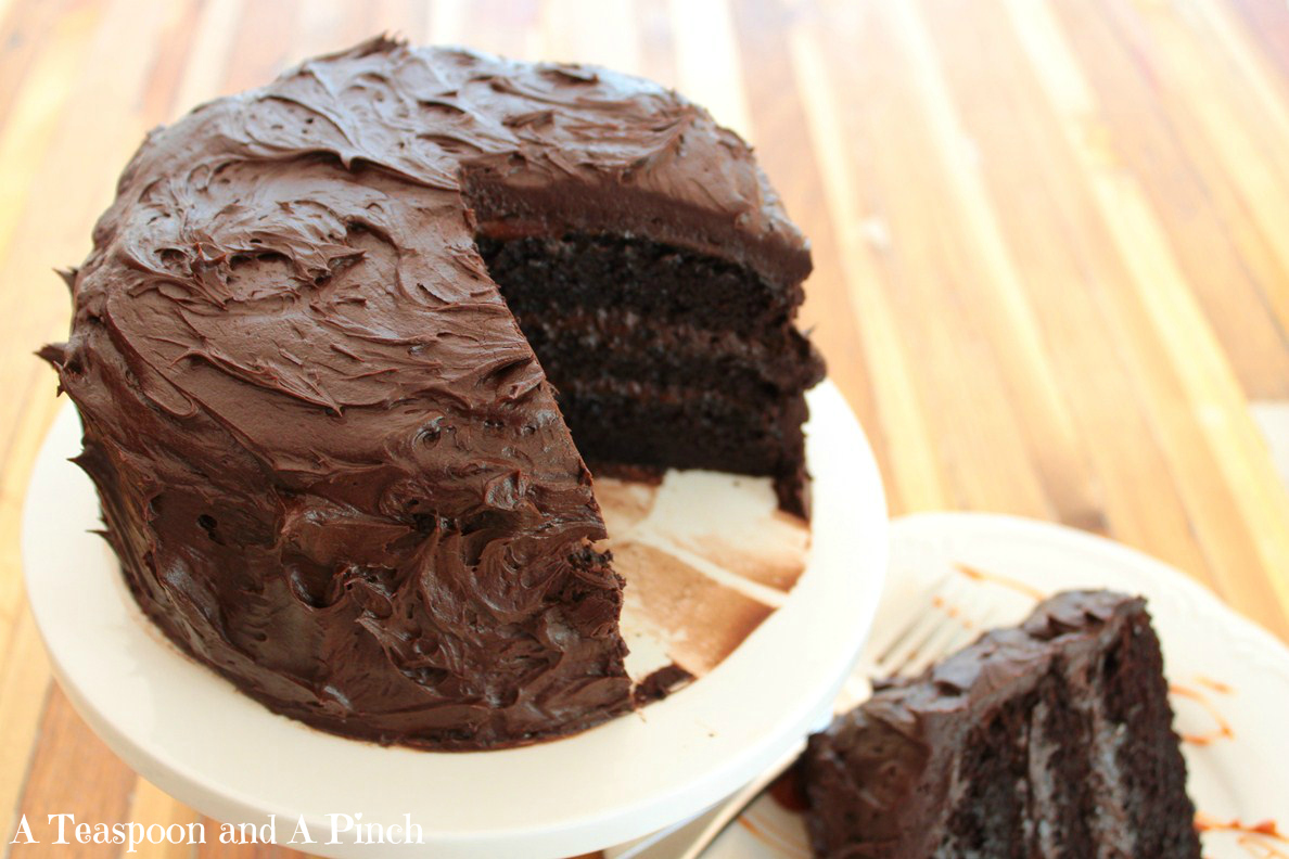 A Teaspoon and A Pinch: Dark Chocolate Caramel Cake with Dark ...