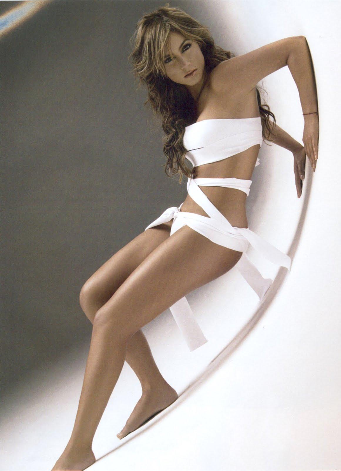 Claudia Lizaldi una chiquitita muy sexy   BellezasNaturalex