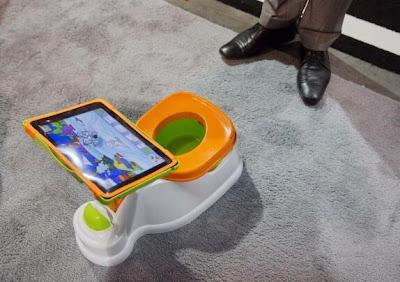 Fisher Price - Toilette pour bébé avec iPad intégré