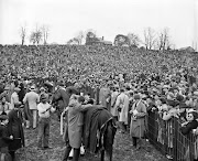 A section of huge crowd that attended the Maryland Hunt steeplechase race.