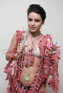 devshi khanduri hot pics