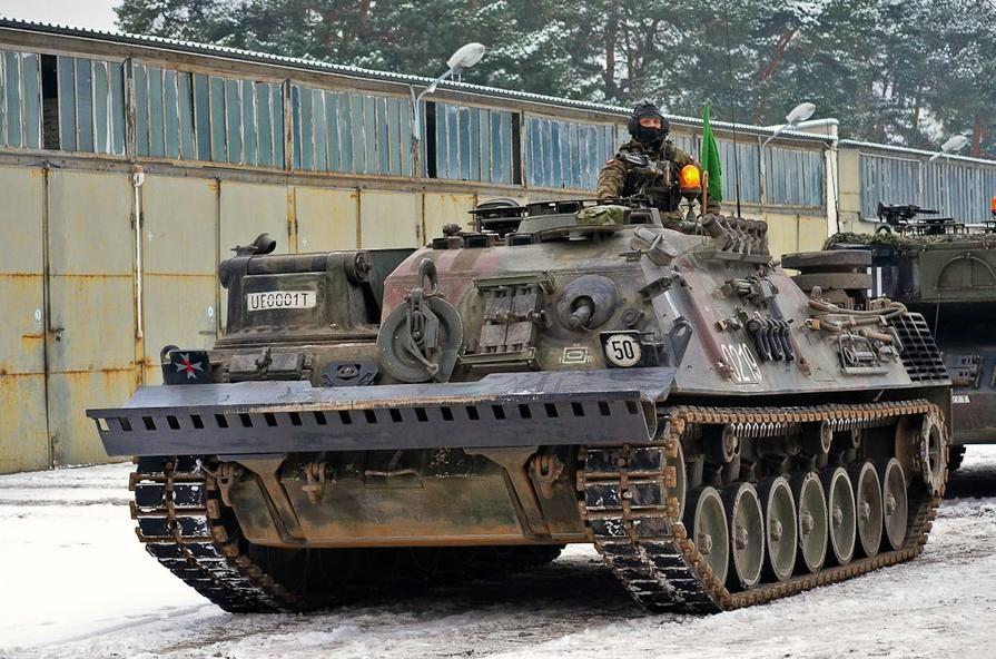 http://3.bp.blogspot.com/-BnpqZUj6hRk/UP1lmJ8TO0I/AAAAAAAABpg/LnLmF0NHA3Q/s1600/Polish+armor+(2).jpg