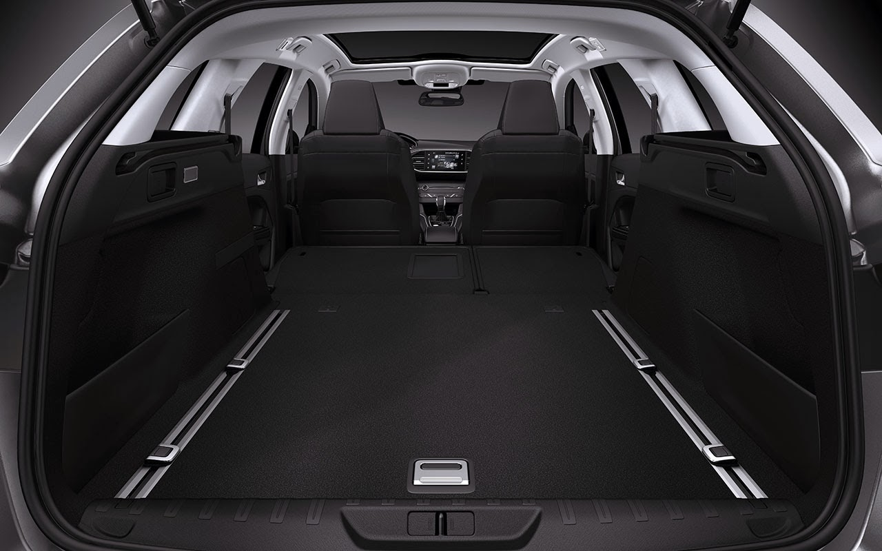 New Peugeot 308 SW - Sleek and Spacious trunk