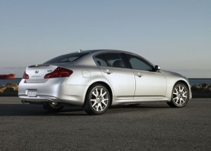 Rear 3/4 view of 2011 Infiniti G37 Sedan
