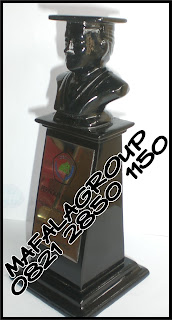 Patung Wisuda