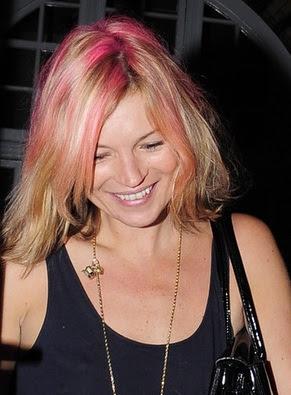 rózsaszín haj