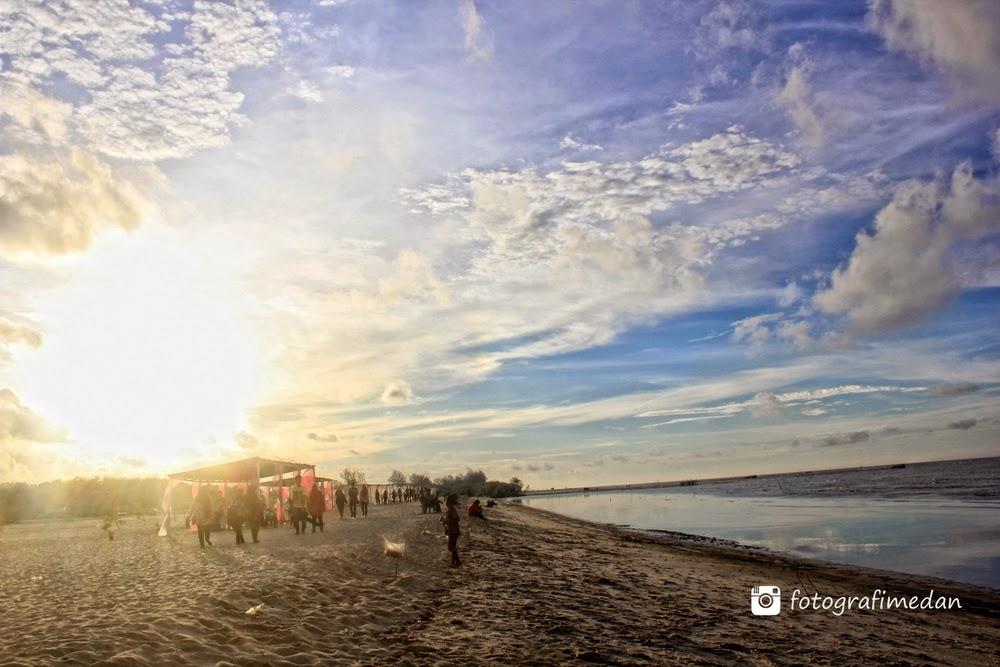 fotografi medan sumatera utara pantai romantis