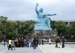 atomic bomb monumen, nagasaki peace park, hiroshima