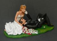 sposini torta matrimonio milano eleganti cappello tartaruga orme magiche