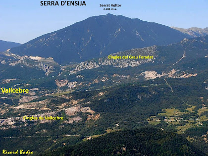 Vallcebre i la Serra d'Ensija des del Roc dels Quatre Batlles. Autor: Ricard Badia