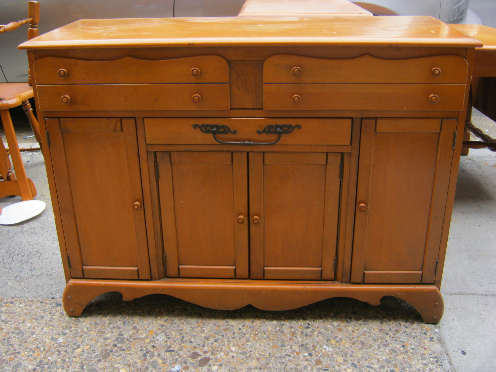 uhuru furniture collectibles maple buffet sold. Black Bedroom Furniture Sets. Home Design Ideas