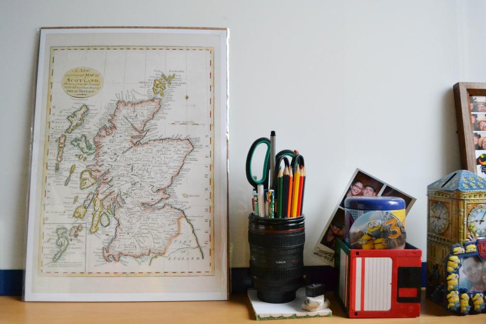 scotland print desk camera lens pencil pot floppy disc DIY