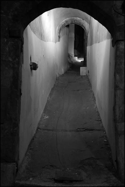 Passage...