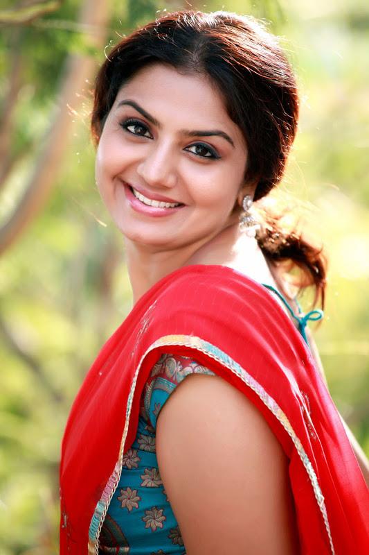 South Indian Actress Neeliya Saree Stills - Sureshvts