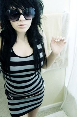 Cute Emo Girls With Beautiful Hairstyle