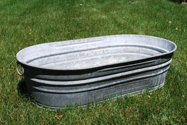 Large oval galvanized tub tablecraft bt1914 oval for Large metal tub for gardening