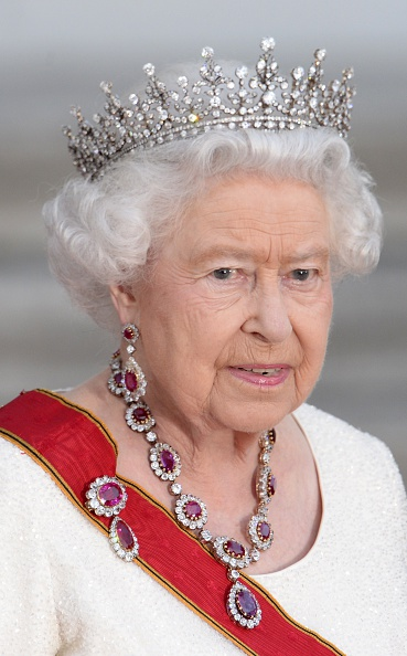 royal family around the world britain s queen elizabeth