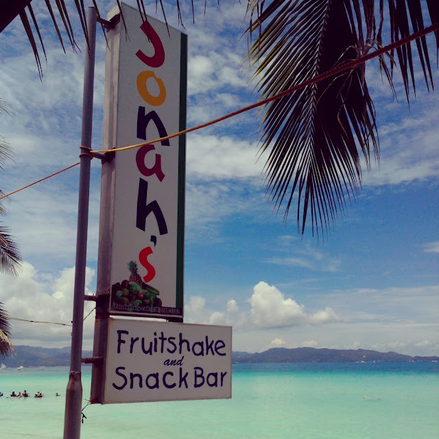 jonah's fruitshake and snack bar in boracay station 1