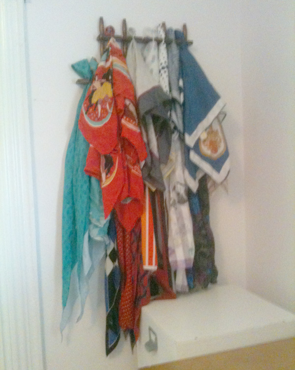 DIY scarf hanger, scarf, rack, display, organizer, wall