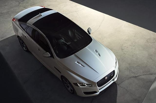 2015 Jaguar XJR