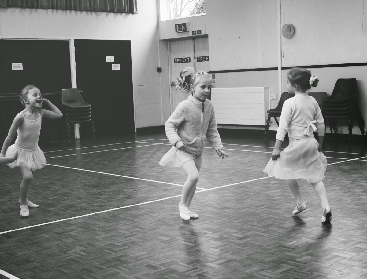 girls skipping, black and white, mama in me, ballet, todaymyway.com