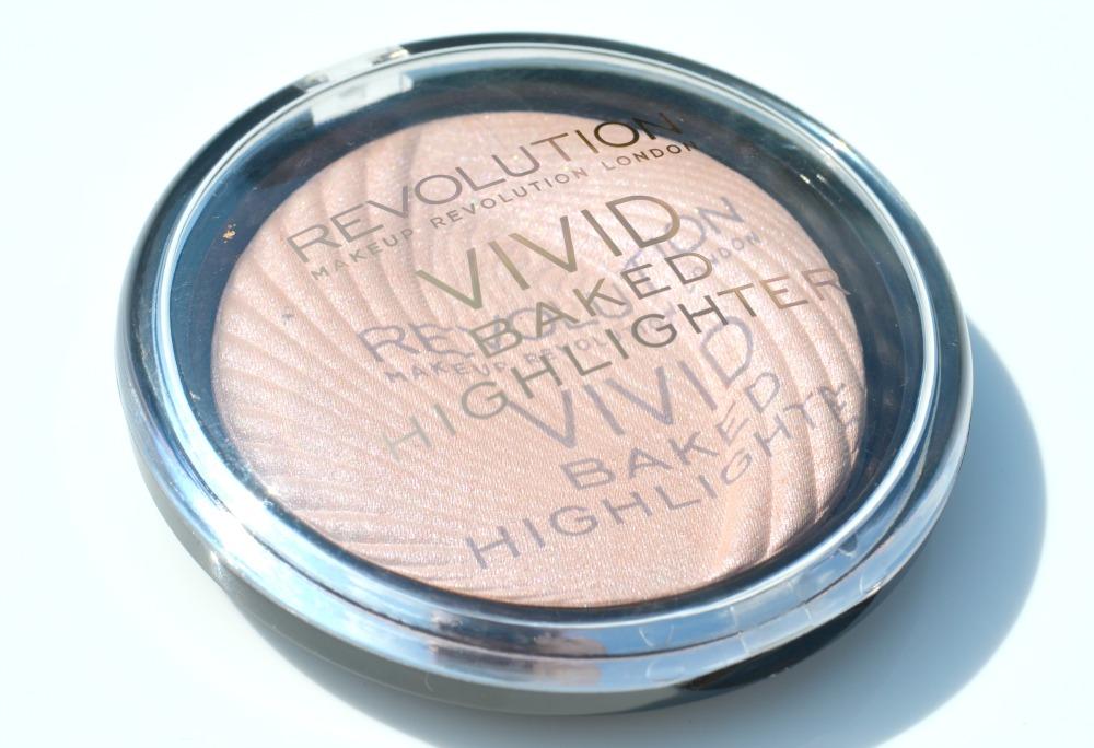 makeup revolution 39 peach lights 39 vivid baked highlighter