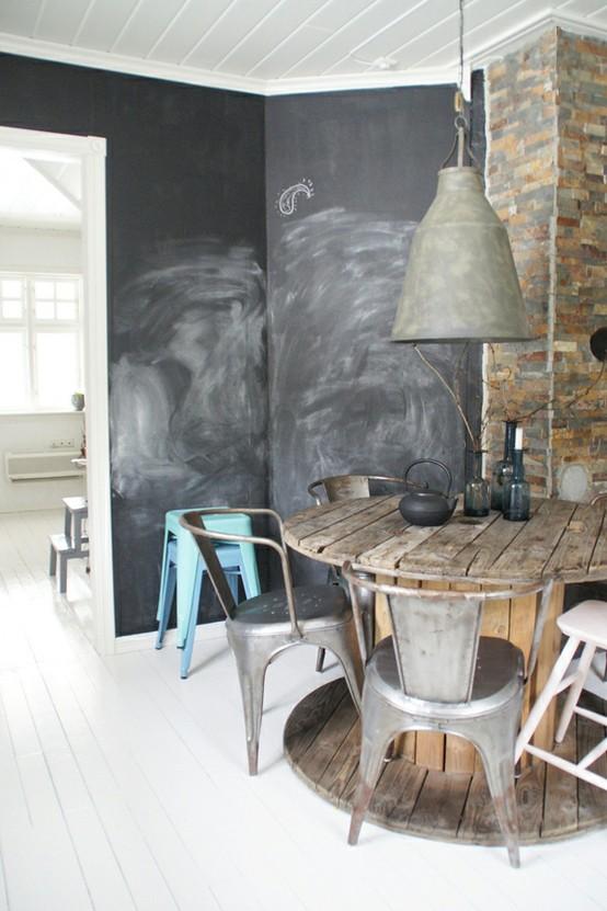 villa vanilla wohnzimmer:Rustic Chalkboard Wall